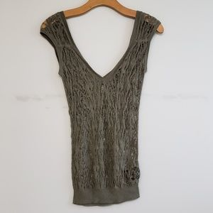 Guess Distressed Shredded Double V Top/Tunic XS